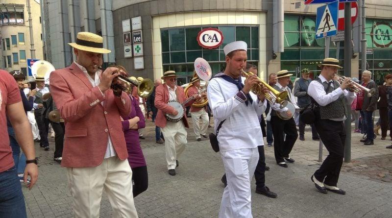 41717116 926280947571126 1635705944987926528 n 800x445 - Poznań Old Jazz Festival - zdjęcia