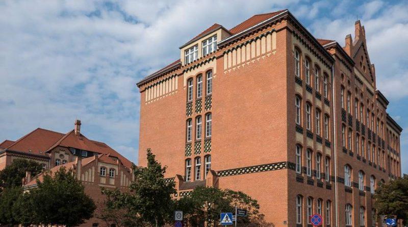 zabytkowe szkoły 14 800x445 - Miliony na remonty poznańskich szkół