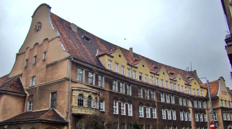zabytkowe szkoły 18 800x445 - Miliony na remonty poznańskich szkół