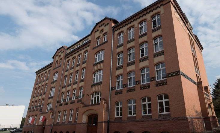 zabytkowe szkoły 5 734x445 - Miliony na remonty poznańskich szkół