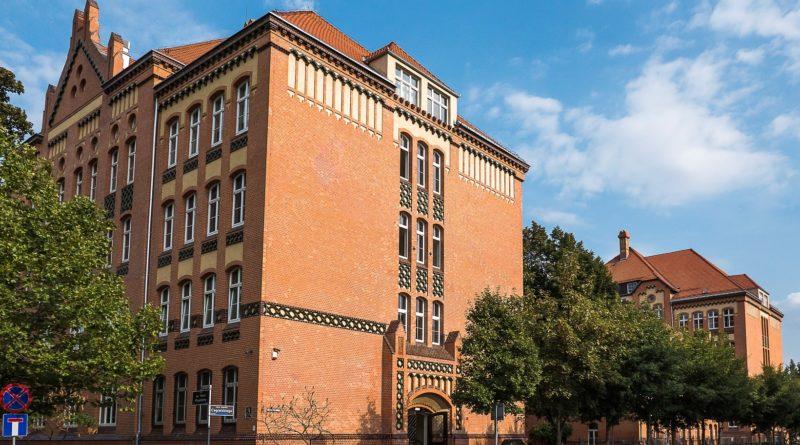 zabytkowe szkoły 6 800x445 - Miliony na remonty poznańskich szkół