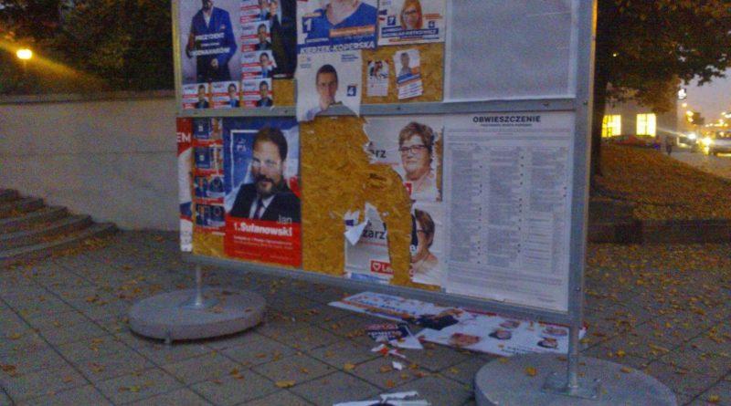 zerwane plakaty
