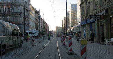 Święty Marcin 10 390x205 - Poznań: Uszkodzenie torowiska na Al. Marcinkowskiego – zmiany tras tramwajów!