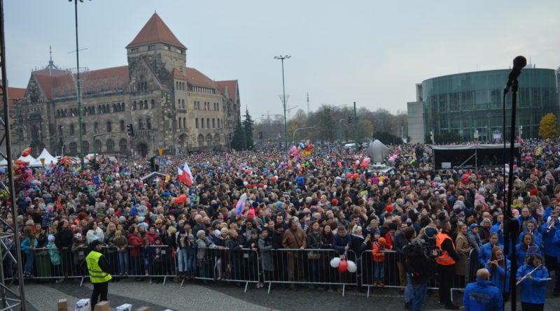 11 listopada 17 800x445 - Poznań świętuje z dwóch powodów - zdjęcia