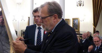Poznańscy Rektorzy podpisali Kartę Akademickich Tradycji Poznania 2 390x205 - Poznańscy Rektorzy podpisali Kartę Akademickich Tradycji Poznania