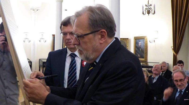 Poznańscy Rektorzy podpisali Kartę Akademickich Tradycji Poznania 2 800x445 - Poznańscy Rektorzy podpisali Kartę Akademickich Tradycji Poznania