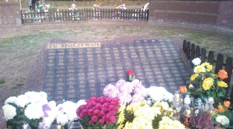 S  0C69 800x445 - Miłostowo: korki wokół cmentarza