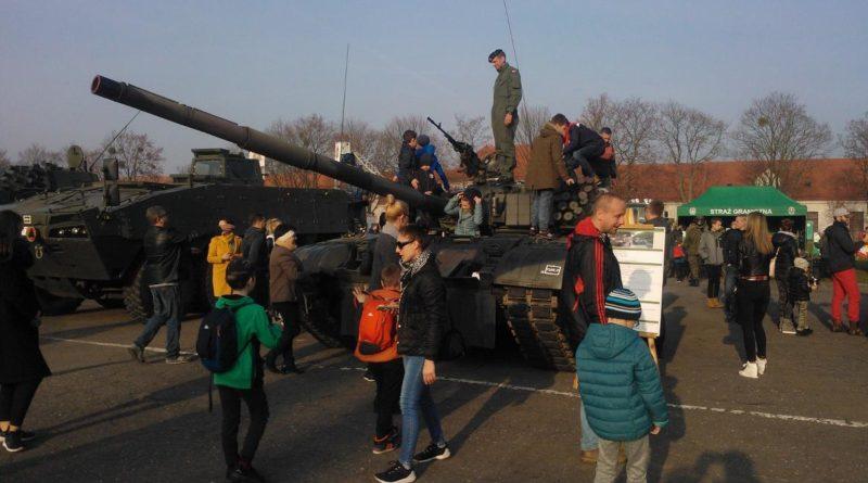 S  B075 800x445 - Służymy Niepodległej: piknik wojskowy na Golęcinie
