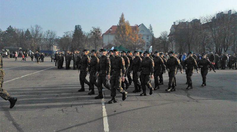 S  D074 800x445 - Służymy Niepodległej: piknik wojskowy na Golęcinie