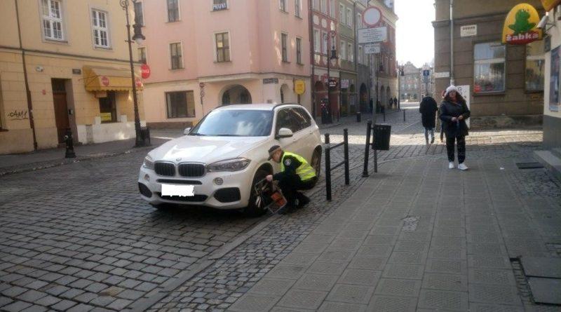 Straż Miejska 800x445 - Poznań: Mieszkańcy zasypują straż miejską donosami. O źle zaparkowanych samochodach