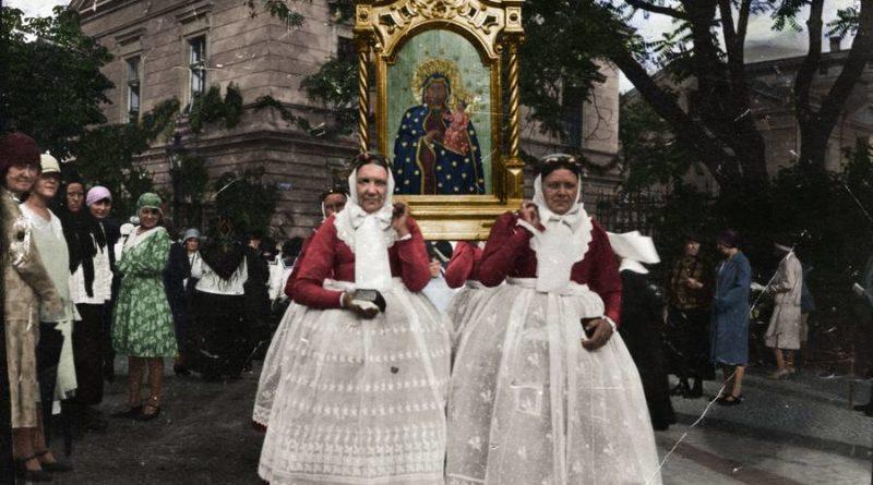 Bamberki z feretronem podczas procesji Bożego Ciała, 1928 r.