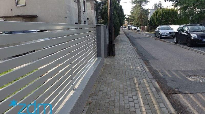 chodnik na ulicy Dobrej