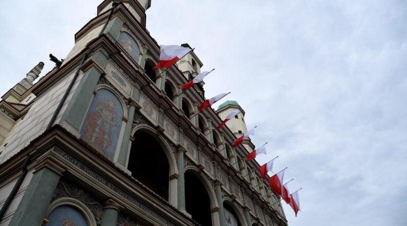 Miasto rozda darmowe flagi poznaniakom
