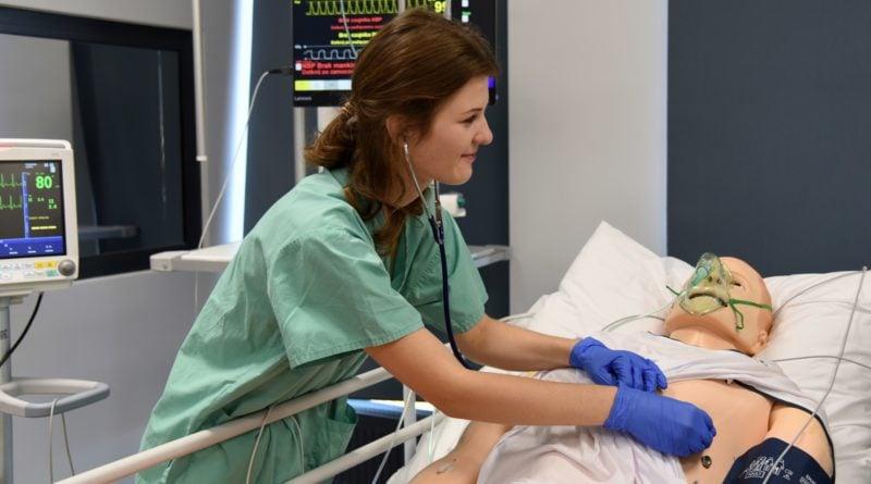 otwarto nowe centrum symulacji medycznejpic11016125445213388show2 800x445 - Centrum Symulacji Medycznej otwarte