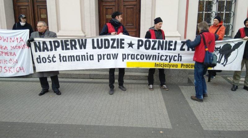 protest pod urzedem miasta i petycja dla prezydenta 5 800x445 - Protest pod urzędem miasta i petycja dla prezydenta