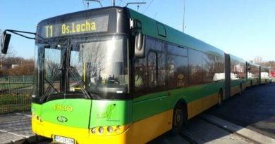 autobus linii t1 fot ak 390x205 - Przebudowa trasy na Górnym Tarasie Rataj: zmiany w komunikacji miejskiej