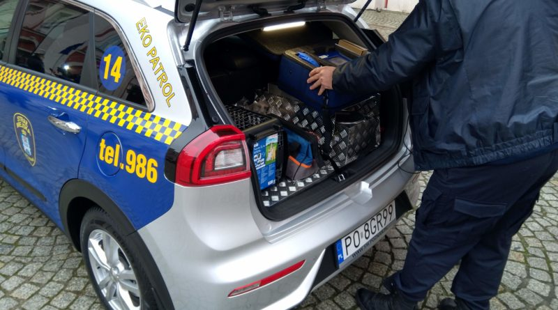 eko patrol 2 800x445 - Eko Patrol z nowym radiowozem - pomoże w walce ze smogiem
