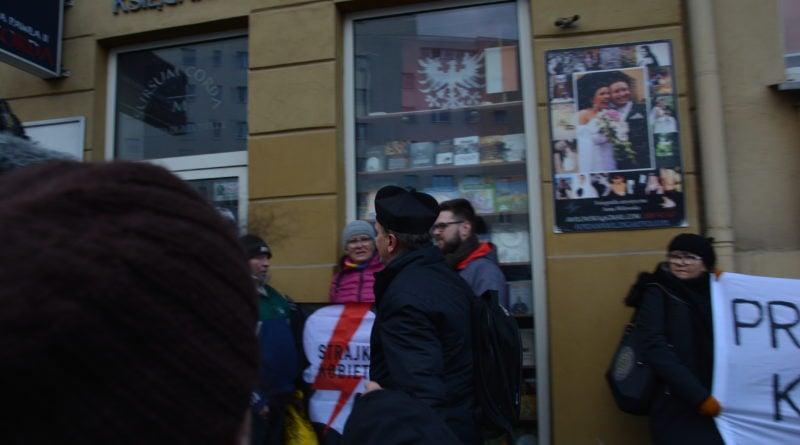 stanislaw michalkiewicz 10 800x445 - Stanisław Michalkiewicz w Poznaniu - protesty