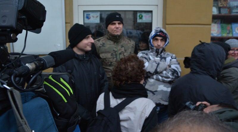 stanislaw michalkiewicz 15 800x445 - Stanisław Michalkiewicz w Poznaniu - protesty