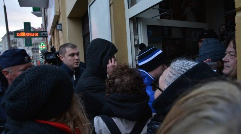 stanislaw michalkiewicz 25 800x445 - Stanisław Michalkiewicz w Poznaniu - protesty