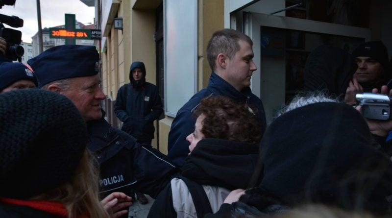 stanislaw michalkiewicz 27 800x445 - Stanisław Michalkiewicz w Poznaniu - protesty