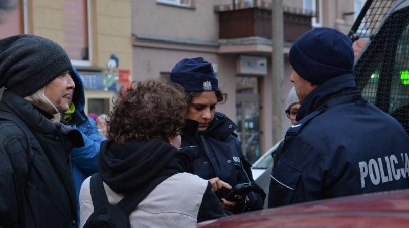 stanislaw michalkiewicz 31 800x445 - Stanisław Michalkiewicz w Poznaniu - protesty