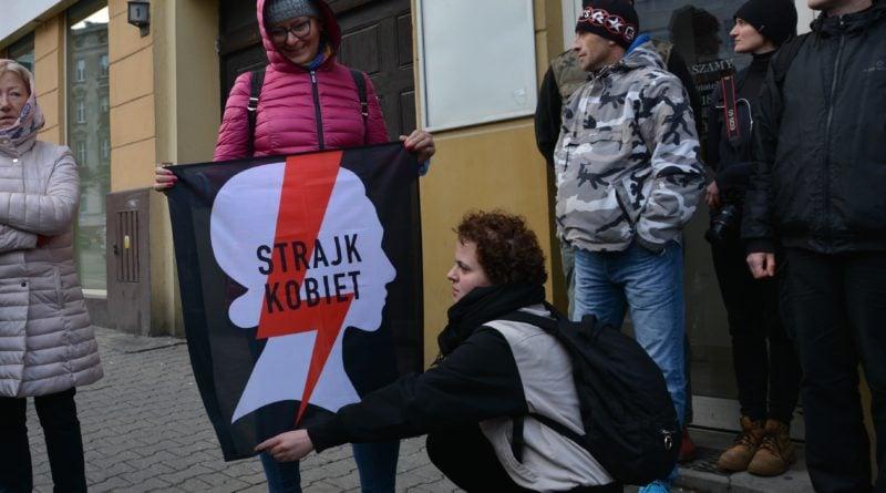 stanislaw michalkiewicz 37 800x445 - Stanisław Michalkiewicz w Poznaniu - protesty