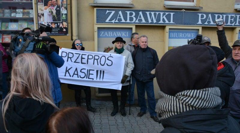 stanislaw michalkiewicz 45 800x445 - Stanisław Michalkiewicz w Poznaniu - protesty