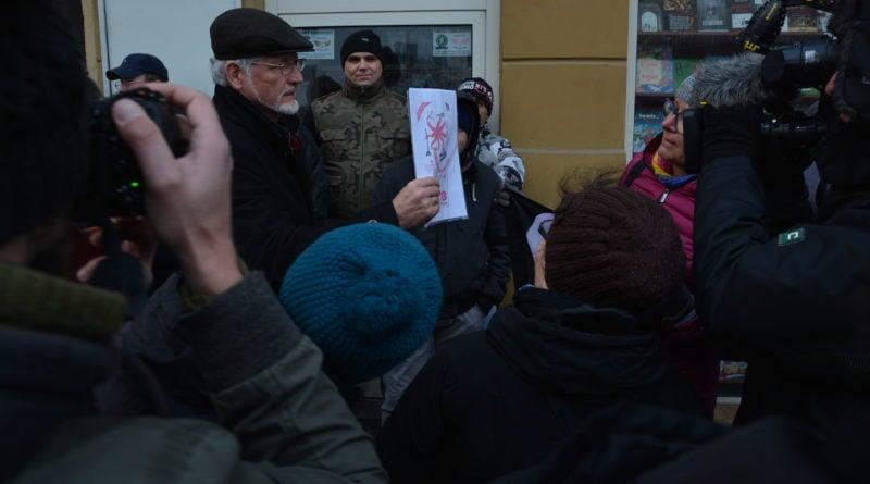 stanislaw michalkiewicz 5 800x445 - Stanisław Michalkiewicz w Poznaniu - protesty