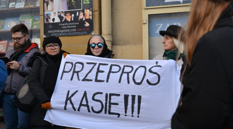 stanislaw michalkiewicz 53 800x445 - Stanisław Michalkiewicz w Poznaniu - protesty