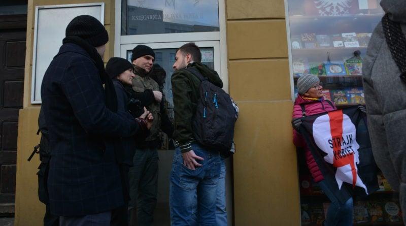 stanislaw michalkiewicz 54 1 800x445 - Stanisław Michalkiewicz w Poznaniu - protesty