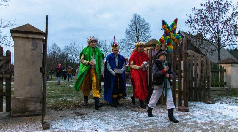koledowanie dziekanowice 15 800x445 - Hej kolęda... - tradycyjne kolędowanie w Wielkopolskim Parku Etnograficznym w Dziekanowicach