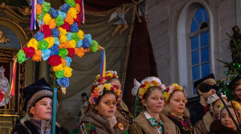 koledowanie dziekanowice 23 800x445 - Hej kolęda... - tradycyjne kolędowanie w Wielkopolskim Parku Etnograficznym w Dziekanowicach