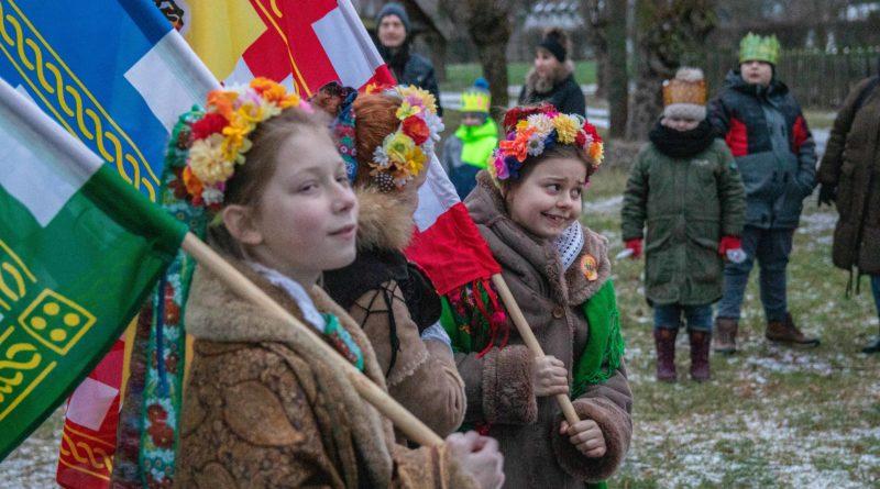 koledowanie dziekanowice 7 800x445 - Hej kolęda... - tradycyjne kolędowanie w Wielkopolskim Parku Etnograficznym w Dziekanowicach