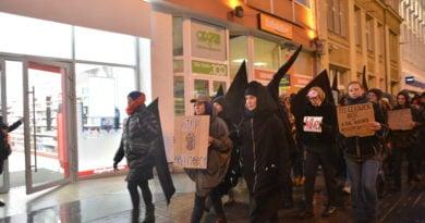 marsz kobiet 5 390x205 - Marsz kobiet przeciwko przemocy