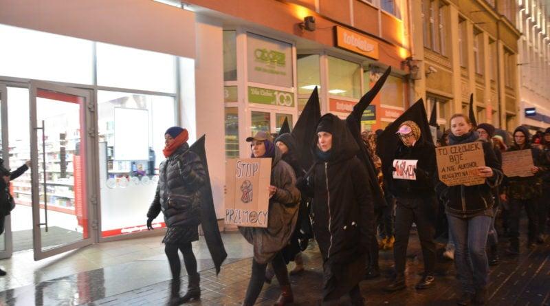 marsz kobiet 5 800x445 - Marsz kobiet przeciwko przemocy
