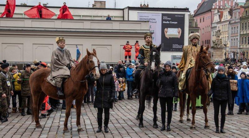 orszak 3 kroli poznan 2019 32 800x445 - Tysiące poznaniaków przyszło zobaczyć orszak Trzech Króli