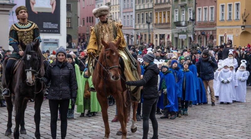 orszak 3 kroli poznan 2019 33 800x445 - Tysiące poznaniaków przyszło zobaczyć orszak Trzech Króli