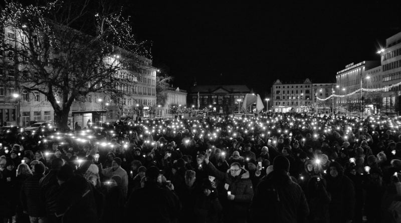 poznaniacy pozegnali prezydenta adamowicza 5 800x445 - Poznaniacy pożegnali prezydenta Adamowicza