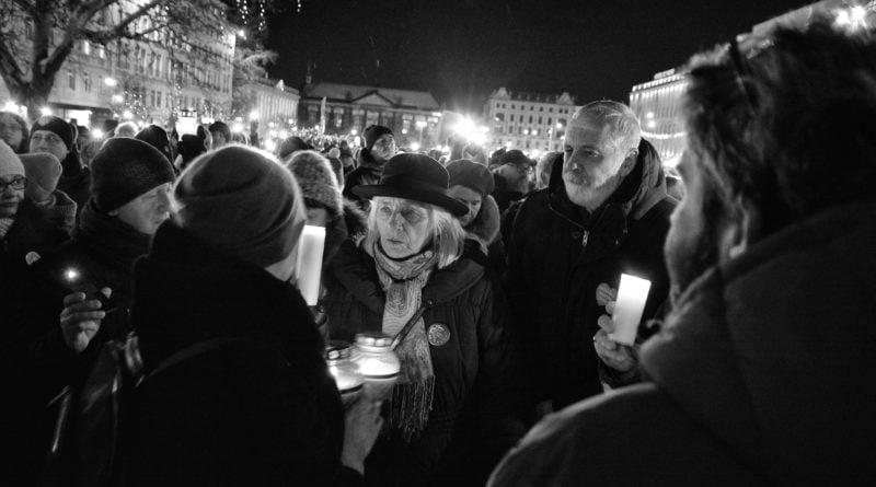 poznaniacy pozegnali prezydenta adamowicza 6 800x445 - Poznaniacy pożegnali prezydenta Adamowicza