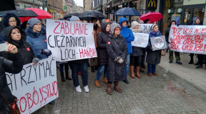"""protest 1 800x445 - Protest """"Poznań solidarny z dzikami"""""""