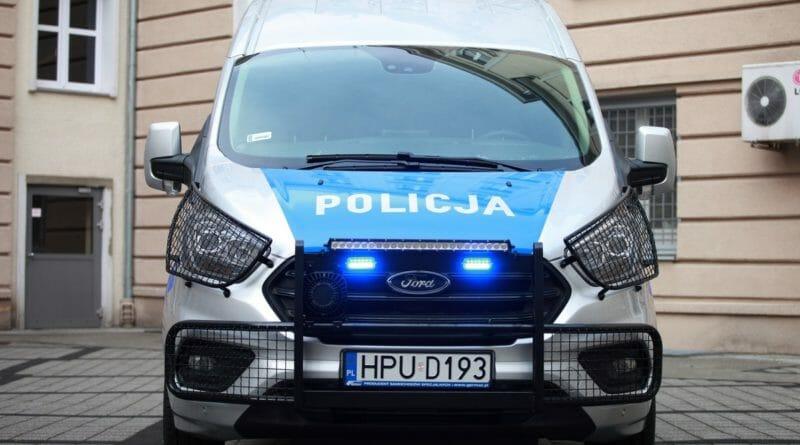 radiowoz policja 007 6 800x445 - 007 w poniedziałek wyjedzie na ulice