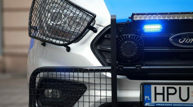 radiowoz policja 007 8 800x445 - Leszno: Kolizja na S5. Są utrudnienia w ruchu