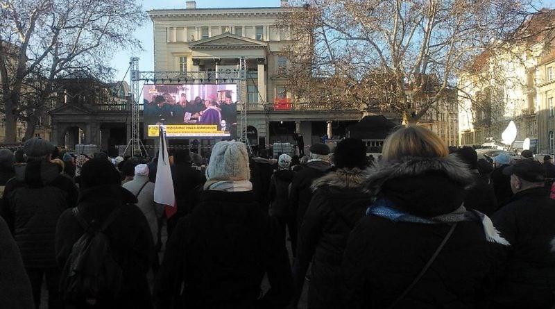 s  3cc0a 800x445 - Poznaniacy pożegnali prezydenta Adamowicza