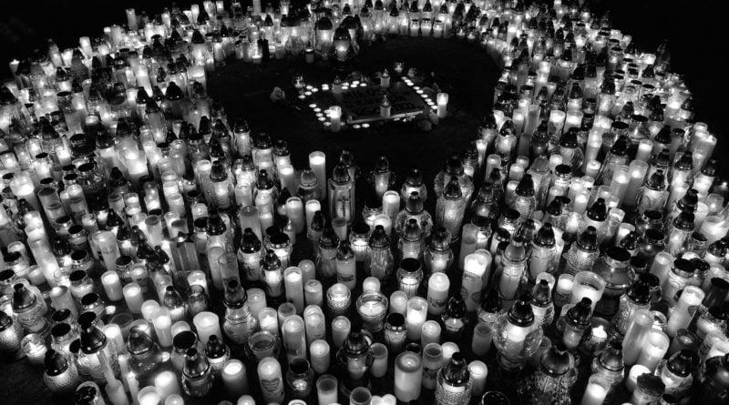 serce dla pawla adamowicza 1 800x445 - Największe Serce Świata dla Pawła Adamowicza