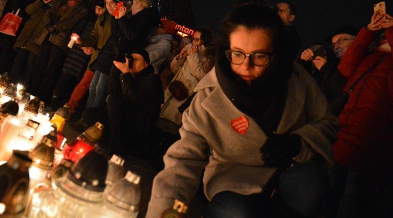 serce dla pawla adamowicza 15 800x445 - Największe Serce Świata dla Pawła Adamowicza