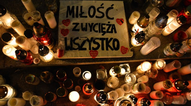 serce dla pawla adamowicza 5 800x445 - Największe Serce Świata dla Pawła Adamowicza
