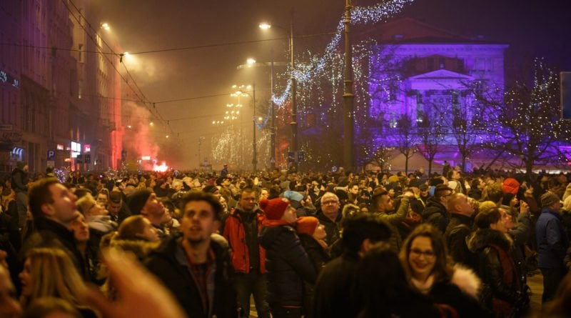 sylwester miejski fot. piotr bedlinski 20 800x445 - Jak się świętuje Nowy Rok na świecie?