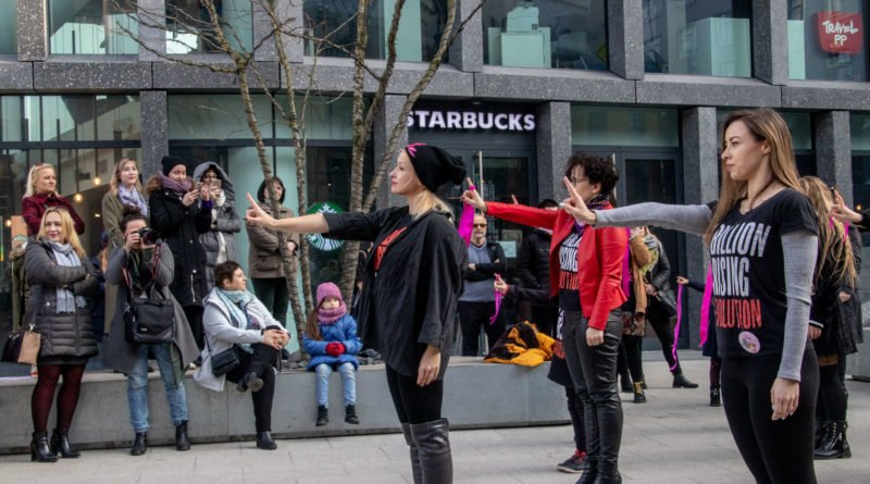 nazywam sie miliard 100 800x445 - Poznań: Kobiety i mężczyźni zatańczyli przeciwko przemocy seksualnej