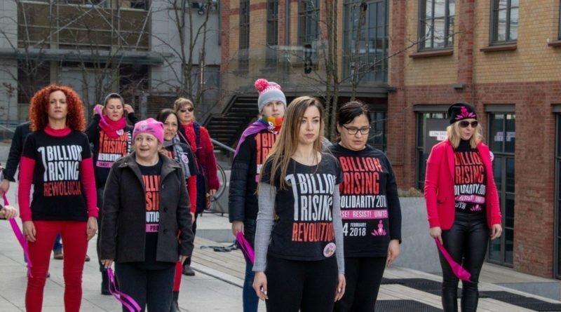 nazywam sie miliard 116 800x445 - Poznań: Kobiety i mężczyźni zatańczyli przeciwko przemocy seksualnej